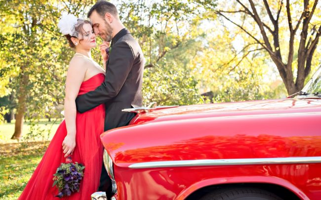Paula & Scott's Eccentric & Unique Autumn Winnipeg Wedding at Kildonan Park
