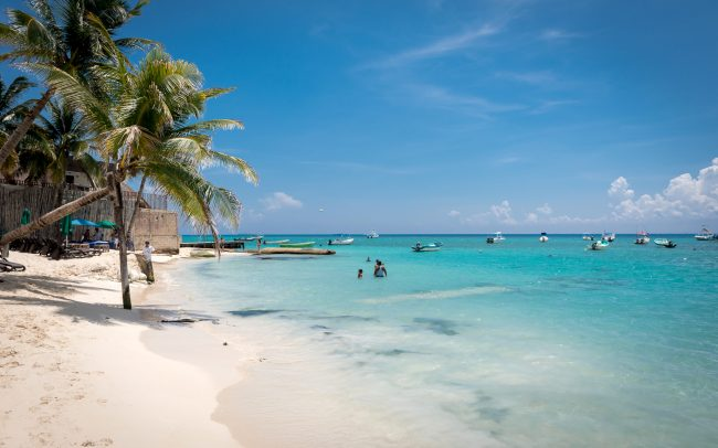Walk Into Town 014 650x406 - Another Beautiful Summer Day in Playa del Carmen Mexico