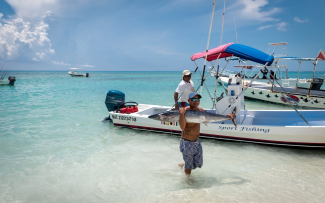 Walk Into Town 015 1 650x406 - Another Beautiful Summer Day in Playa del Carmen Mexico