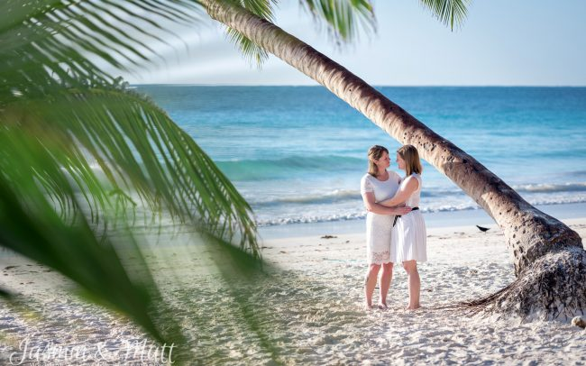 Amy & Jennamari's Same-Sex Couple's Honeymoon Photo Session in Tulum