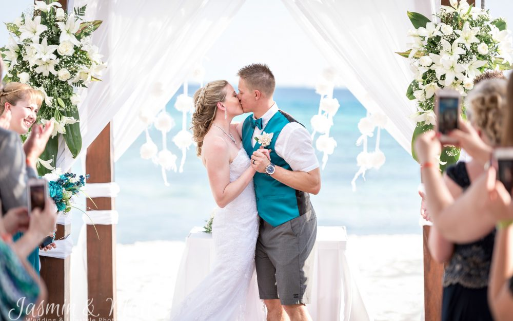 Stephanie & Loren's Bright & Romantic Destination Wedding at Grand Sunset Princess